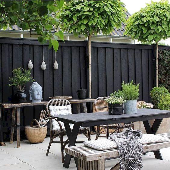 Backyard Furniture Ideas: Rustic Vintage Decor