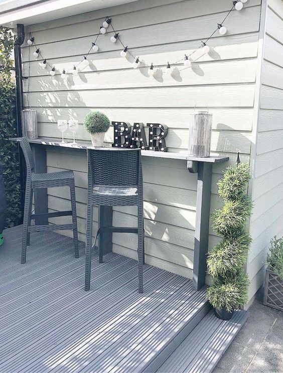 Backyard Bar Ideas: Simple Minimalist Bar