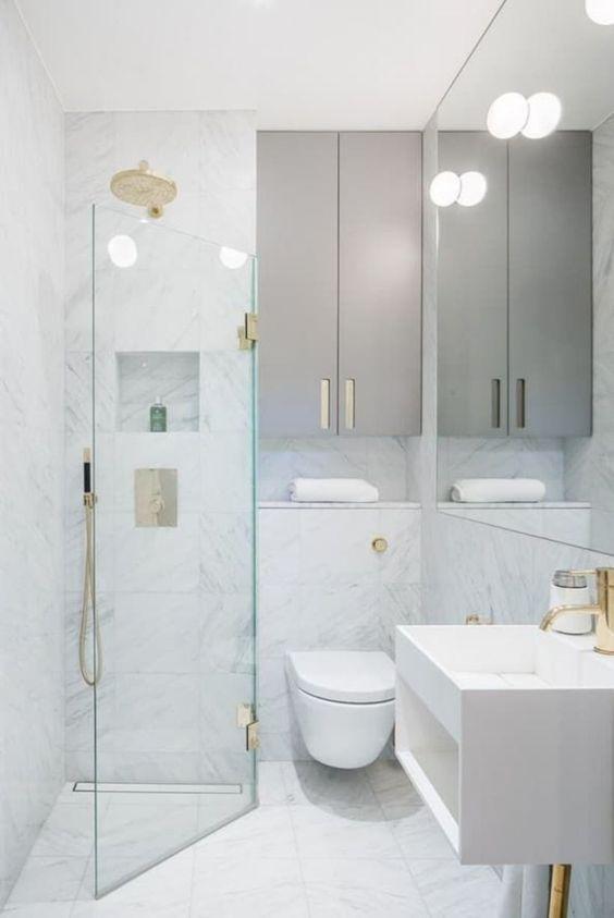 White Bathroom Ideas: Stunning Small Bathroom