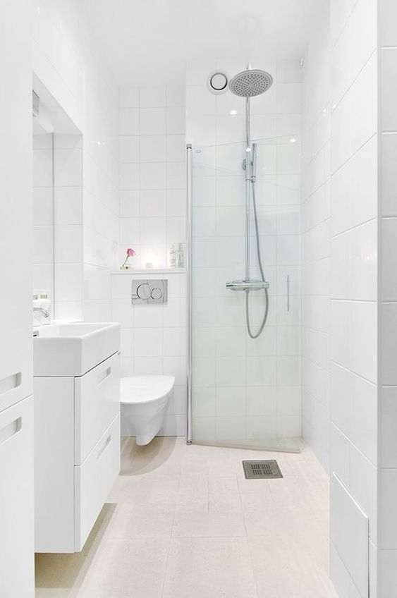 White Bathroom Ideas: Simple Transitional Decor