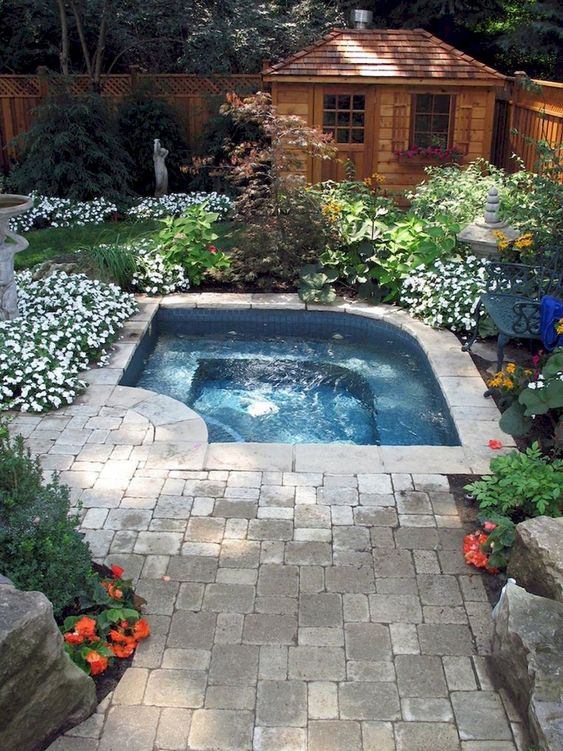 Small Swimming Pool: Gorgeous Corner Pool