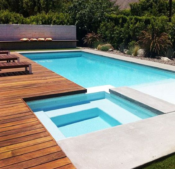 Swimming Pool with Hot Tub 17