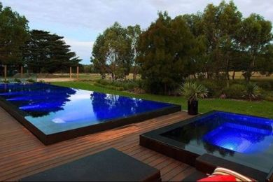 Swimming Pool with Hot Tub feature