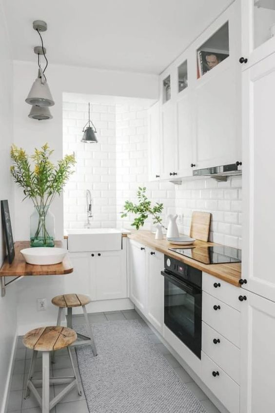 Tiny Kitchen Ideas: Bright Earthy Decor
