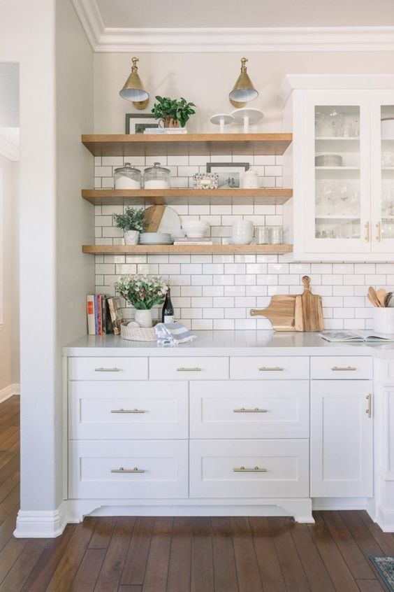 Tiny Kitchen Ideas: Chic Farmhouse Decor