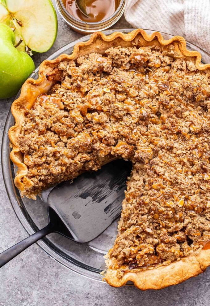 Healthy oatmeal crumble topping