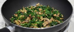 spinach mushrooms