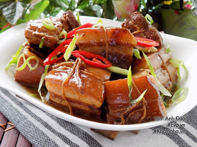 Thịt kho Đông Pha nóng hổi, mềm tan trong miệng - 8