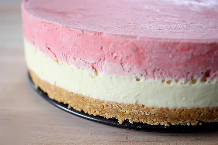 Chocolate Strawberry Jello Cake Recipe: Strawberry And White Chocolate Mousse Cake Recipe