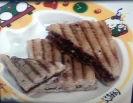 Hazelnut Banana Sandwich