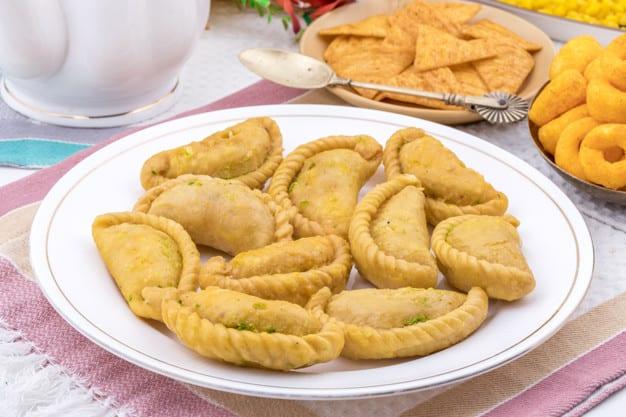 gujiya indian sweet