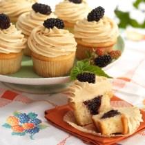 Peanut Butter & Blackberry Jam Cupcakes
