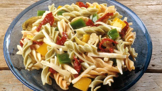 Simply Satisfying Salads   RecipesNow!
