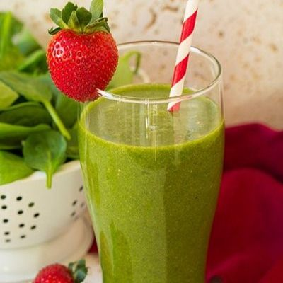 Strawberry Spinach Green Smoothie Recipe