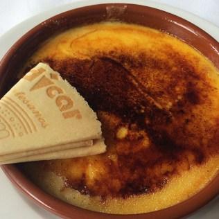 Et pour dessert, la fameuse crème catalane espagnole de Barcelone