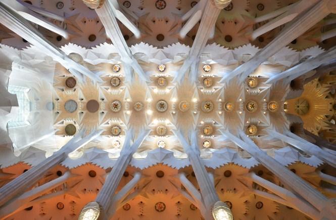 Sublime plafond de la Sagrada Familia, Barcelone
