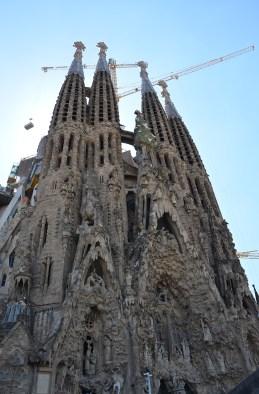 Façade étonnante de la Sagrada Familia à Barcelone