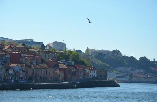 Vue sur Porto depuis le Douro