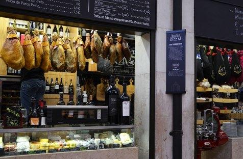 Jambons sur le marché de Lisbonne, Portugal