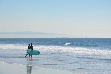 Surfeurs sur Venice Beach, Los Angeles