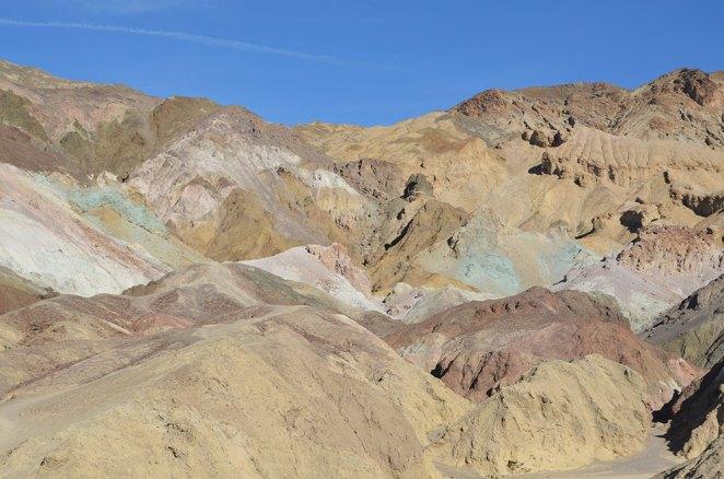 Vue sur les montagnes colorées d'Artist Road, Death Valley