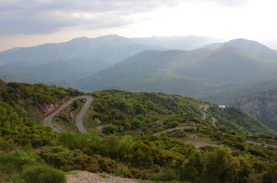 La route sinueuse des Gorges de Loussios, Grèce