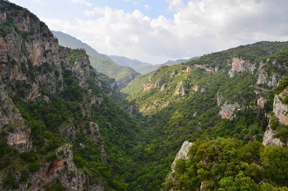 Vue sur les magnifiques Gorges de Loussios, Grèce