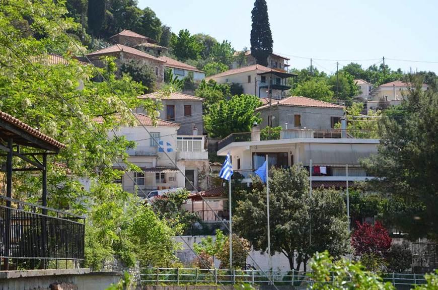 Vue sur le village de l'ancienne Messene, Grèce