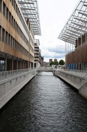 Perspective de l'entrée du musée Astrup Fearnley, Oslo