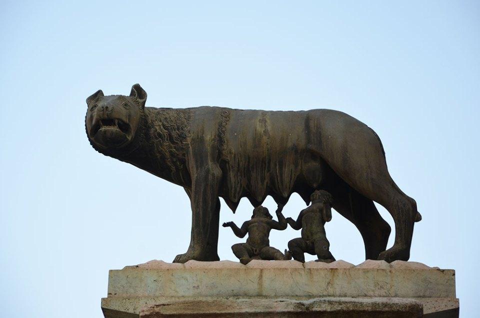 Statue Louve, Rome, Italie