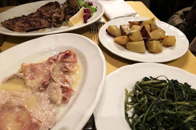 Mets du diner dans le Trastevere, Rome, Italie