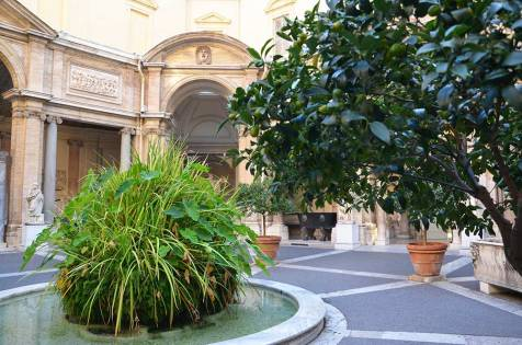 Jardin intérieur, musée du Vatican, Rome
