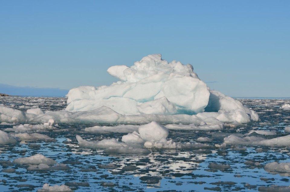 Iceberg sur la mer du Svalbard