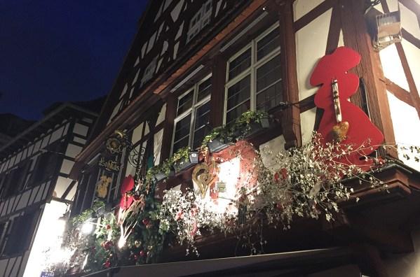Maison à colombages de nuit à Strasbourg, Alsace