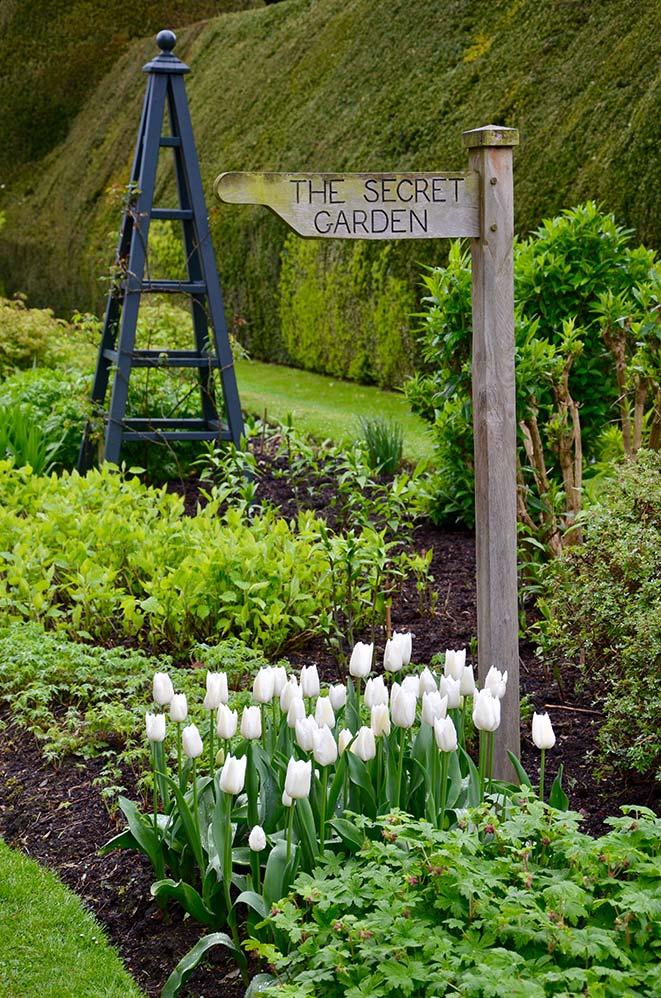 Jardin de Highclere Castle, lieu de tournage de la série Downton Abbey, campagne anglaise, Royaume Uni