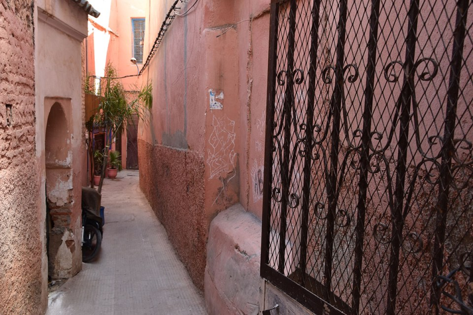 Ruelle rose de Marrakech