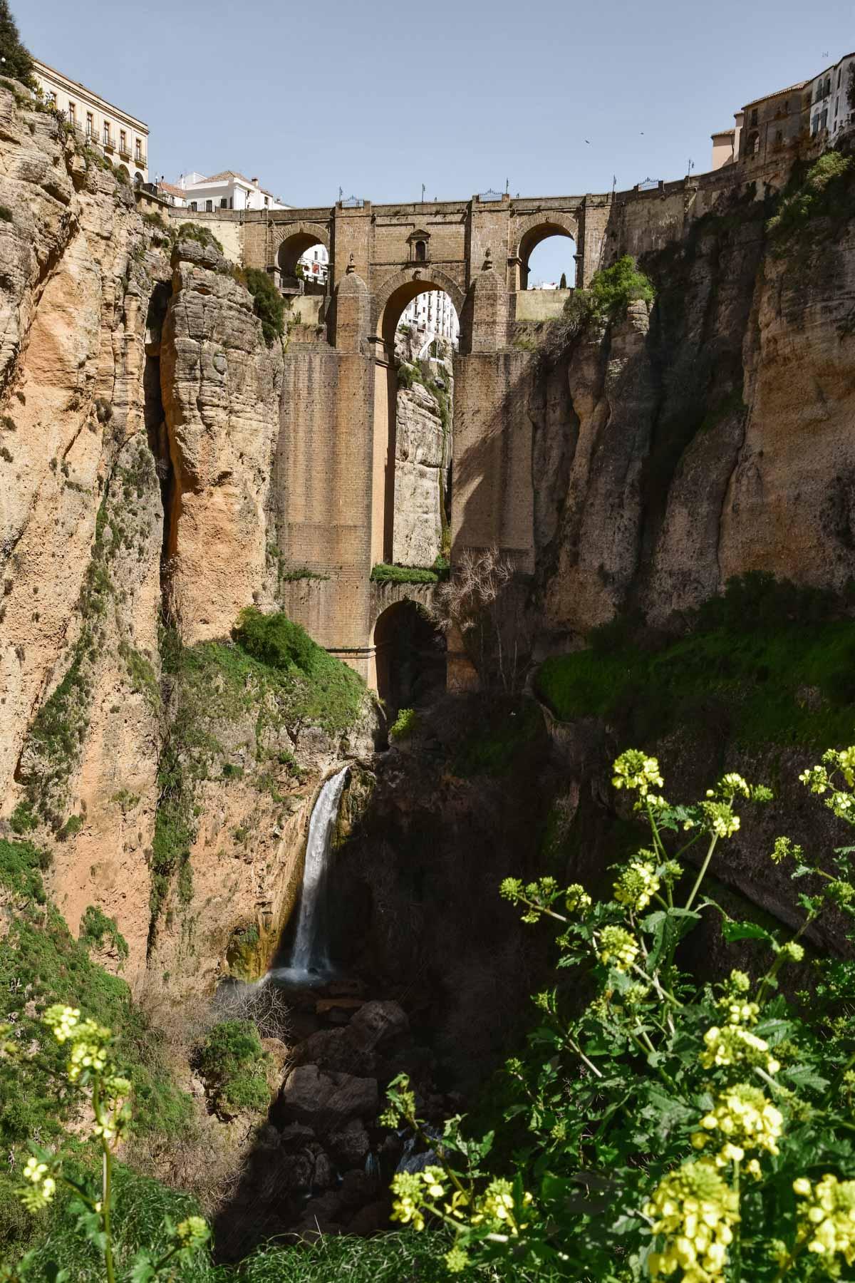 Vue sur le pont de Ronda, Andalousie