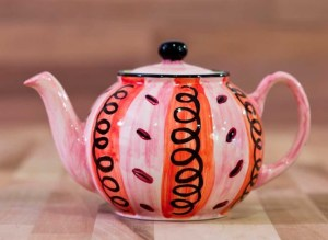 Vertical Stripey medium teapot in red