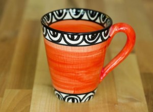 Aztec small tapered mug in red