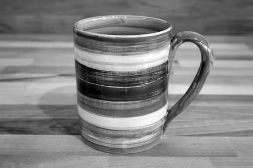 Abstract parallel pint mug in green