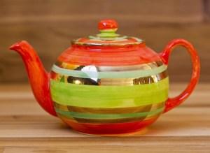 gold-lustre-pottery