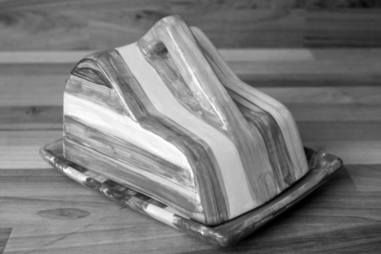 Lustre Horizontal cheese dish in No.01