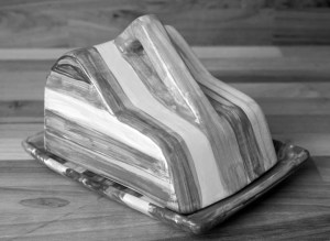 Lustre Horizontal cheese dish in No.02
