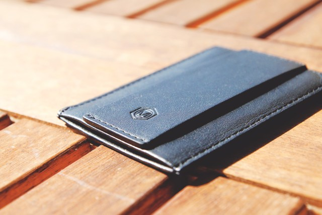 Side view of the top of the Minimalist wallet