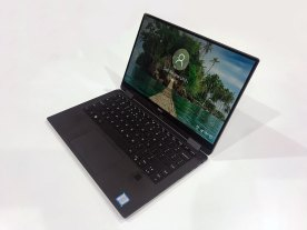 The XPS 13 2-in-1 in laptop mode