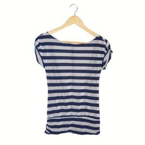 Blusa prateada e azul | reCloset peças com estórias