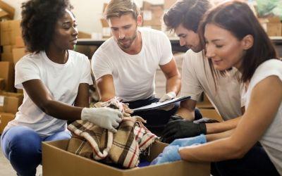 """O que acontece à roupa em segunda mão do """"mundo desenvolvido"""""""