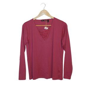Camisola rosa com detalhe no peito - reCloset roupa em segunda mão