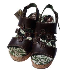 Sandálias castanhas com salto em cortiça - reCloset roupa em segunda mão