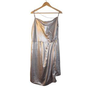 Vestido prateado de alça fina - reCloset roupa em segunda mão